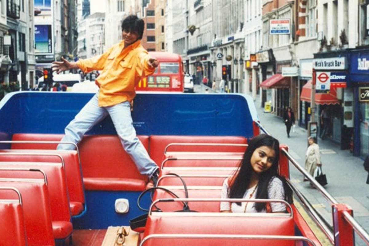 സാധാരണ പ്രണയ ചിത്രമായ ദിൽവാലെ ദുൽഹനിയ ലേ ജായേംഗെ എന്നാൽ ചരിത്രം കുറിച്ചു. രാജിനെയും സിമ്രനെയും പ്രേക്ഷകർ നെഞ്ചിലേറ്റി. തീയറ്ററില് ഏറ്റവും കൂടുതൽ കാലം ഓടിയ ചിത്രം എന്ന ബഹുമതി ആരാധകരുടെ DDLJ നേടി. മുംബൈയിലെ മറാത്താ മന്ദിർ തിയേറ്ററിൽ 2014 ഡിസംബർ 12 ന് ചിത്രം ആയിരം ആഴ്ചകൾ പിന്നിട്ട് ചരിത്രം കുറിച്ചു.
