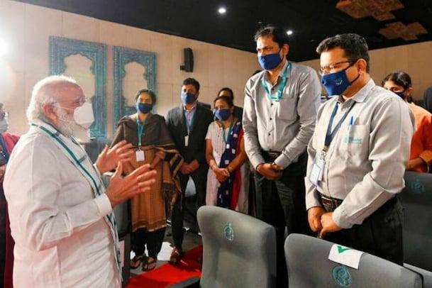വാക്സിൻ ഗവേഷണ കേന്ദ്രങ്ങളിലെ സന്ദർശനം; പ്രധാനമന്ത്രിയെ പുകഴ്ത്തി മുതിർന്ന കോൺഗ്രസ് നേതാവ്
