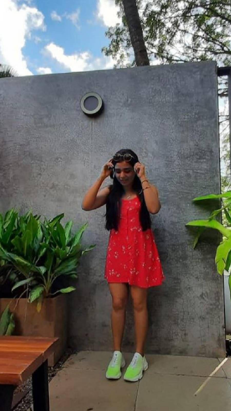 സണ്ണി വെയ്ൻ നായകനായ കുടുംബ ചിത്രം 'അനുഗ്രഹീതൻ ആന്റണി' എന്ന സിനിമയിലൂടെയാണ് 'ജാനു' മലയാളത്തിലെത്തിയത്. തിയേറ്റർ റിലീസായ സിനിമ ഉടൻ തന്നെ ഡിജിറ്റൽ റിലീസ് പ്രതീക്ഷിക്കുന്നു (ചിത്രം: ഇൻസ്റ്റഗ്രാം)