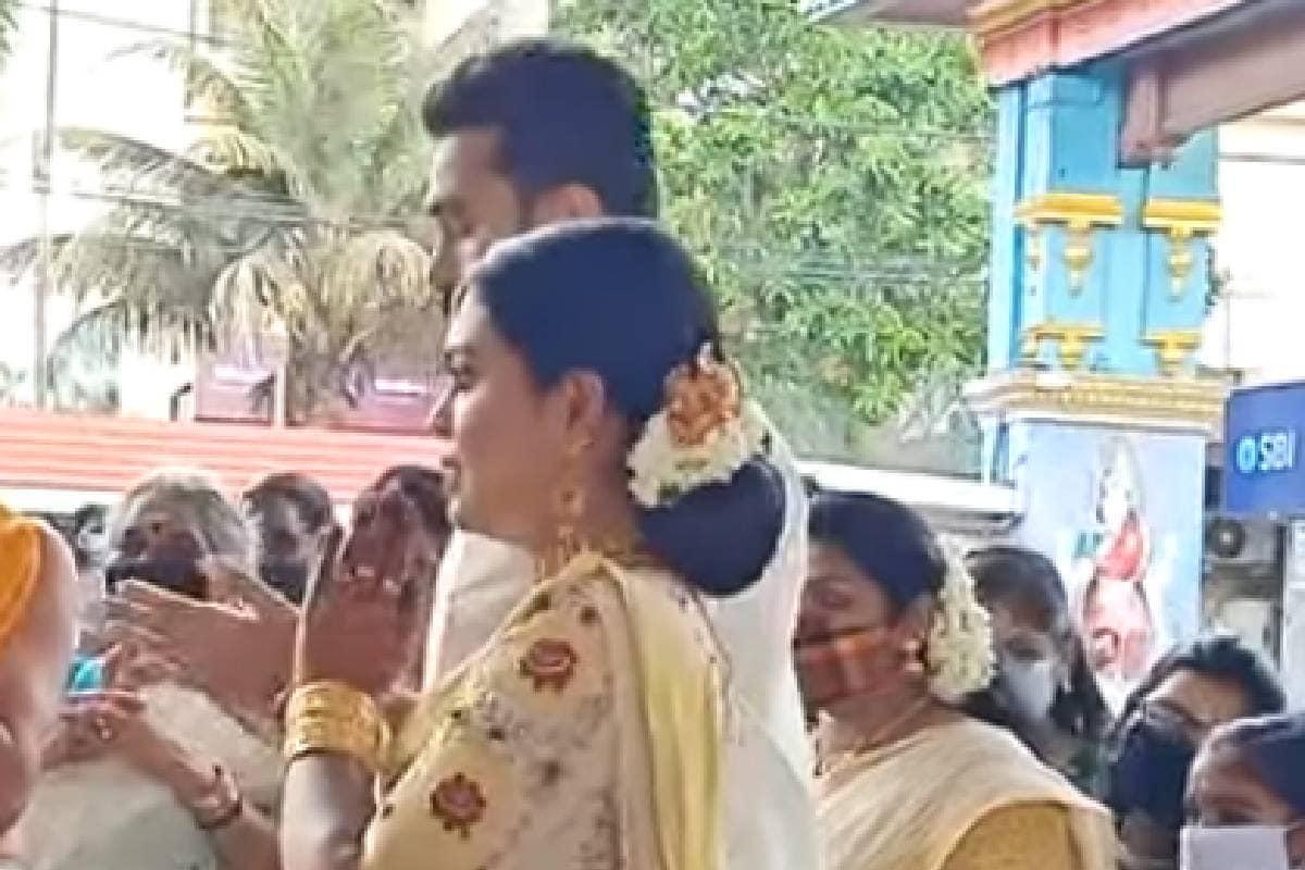 യുവ കൃഷ്ണയും മൃദുലയും അവരുടെ വിവാഹ വേളയിൽ
