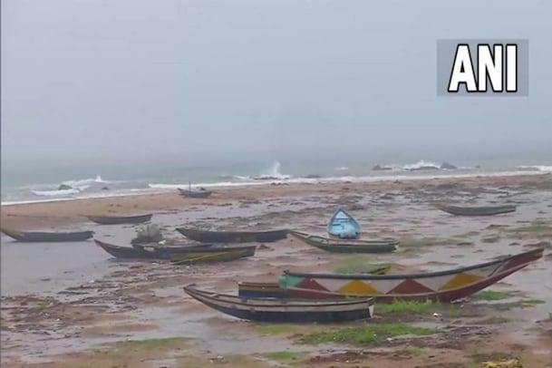 Cyclone Gulab| ആന്ധ്ര-ഒഡീഷ തീരങ്ങളിൽ നാശം വിതച്ച് ഗുലാബ്; കേരളത്തിലും ശക്തമായ മഴ