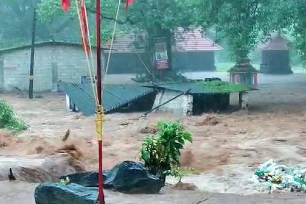 Rains Live | കോട്ടയം കൂട്ടിക്കലില് ഉരുള്പൊട്ടല്: 13 പേരെ കാണാതായി; 3 മൃതദേഹങ്ങൾ കിട്ടി