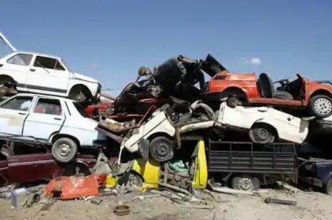 Vehicle Scrappage Policy: ଆପଣଙ୍କ ପୁରୁଣା ଗାଡି ଉପରେ କିପରି ପ୍ରଭାବ ପକାଇବ ସ୍କ୍ରାପିଂ ପଲିସି? ଜାଣନ୍ତୁ ସବୁକିଛି