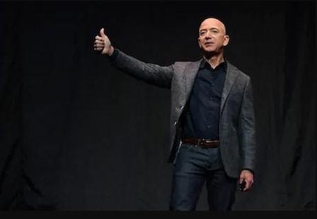 Amazon ର Jeff Bezos ପୁର୍ନବାର ହେଲେ ଦୁନିଆର ସବୁଠାରୁ ଧନୀଶାଳୀ ବ୍ୟକ୍ତି; Elon Musk କୁ ପଛରେ ପକାଇଲେ