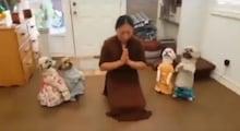 କୁକୁର ଛୁଆମାନେ ମାଲିକାଣିଙ୍କ ସହ ମିଶି Yoga କଲେ; VIDEO ଭାଇରାଲ୍ ହେଉଛି; ଦେଖନ୍ତୁ