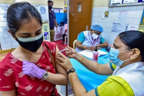 Vaccine Price: ଘରୋଇ ହସପିଟାଲ୍ଗୁଡ଼ିକ ପାଇଁ କରୋନା ଟିକାର ଦାମ୍ ସ୍ଥିର କଲେ କେନ୍ଦ୍ର ସରକାର