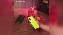 ସମସ୍ତ ନୂତନ vivo V21 Neon Spark ସହିତ ଏହି ଉତ୍ସବ ଋତୁରେ ଚମକନ୍ତୁ