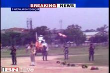 Gadkari escapes unhurt after a polythene sheet gets entangled in chopper blades