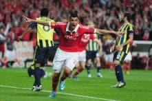 Oscar Cardozo fires Benfica into Europa League final