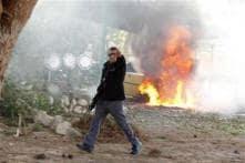 Gaza shakes, Israelis killed as Hillary seeks truce