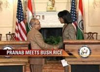 Pranab meets Bush, Rice, discusses N-deal