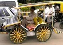 Karnataka candidates get innovative to woo voters