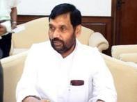 Ram Vilas Paswan escapes fire in Delhi home