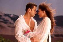 'Heroine' Kareena: B'wood incomplete without Salman