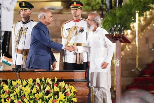 Newly-inducted cabinet minister Pratap Sarangi greets President Ram Nath Kovind at the oath-taking ceremony on Thursday (PTI)