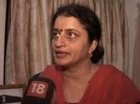 Karkare's wife slams 26/11 report, says it's shoddy