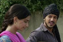 Agreed for 'Bhaag Milkha Bhaag' to work with Farhan: Sonam