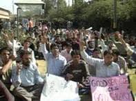 J-K govt warns doctors on strike, suspends 28