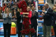 Top-ranked Simona Halep Hoping to Keep Dream Alive at WTA Finals