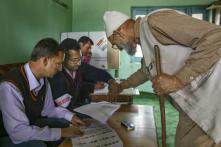 As Parts of Kashmir Valley Go To Polls, Voters Vow to Save J&K's Special Status