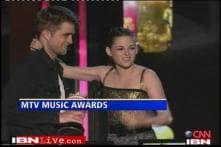 The Twilight Saga New Moon bags 5 MTV awards