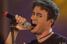Pop star Enrique slowly mastering cricket