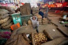 No Supply Shortage at Azadpur Mandi Despite COVID-19 Lockdown, Profiteers Warned