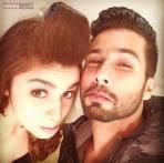Snapshot: Alia Bhatt posts a grumpy selfie with Sahid Kapoor on the last day of  'Shaandaar' shoot