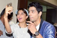 StarGaze: Kajol, Tanuja attend Tanishaa Mukherji's play, Jacqueline Fernandez looks like a diva while promoting 'Brothers'