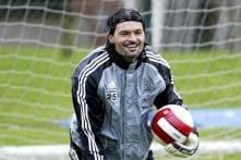 Former Newcastle United goalkeeper Pavel Srnicek dies aged 47