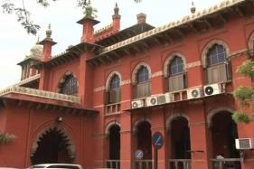 Unwed Couples Staying in Hotel Rooms is No Crime, Observes Madras HC Judge