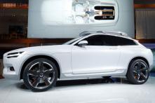 Hot cars at Detroit Auto Show 2014