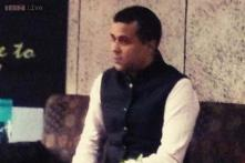 Live tweet: Chetan Bhagat talks about his journey from IIT Delhi to Bollywood