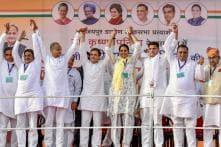 Where Are The Jobs? Rahul Gandhi Asks Youths Wearing 'Main Bhi Chowkidar' T-shirts at Rally