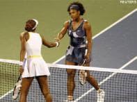 Venus knocks out Serena, enters Dubai final