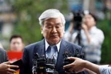Scandal-hit Korean Air Chairman Dies at 70, Shares Soar