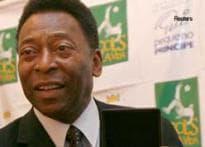 Football legend Pele robbed on Brazilian street