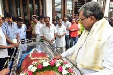 Kannada Producer Parvathamma, Widow of Actor Rajkumar, Dies at 77