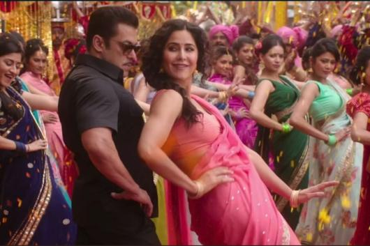Katrina Kaif is Pretty in Pink in Bharat's Fun-Filled Wedding Song 'Aithey Aa'