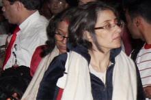 Manisha Koirala overwhelmed to see Rituparna Sengupta