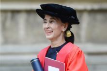 Oxford University College Removes Suu Kyi Portrait Amid Rohingya Crisis