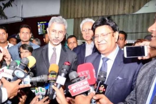 File photo of External Affairs Minister S Jaishankar with his Bangladeshi counterpart A K Abdul Momen.
