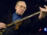 Guitarman, inventor Les Paul dies at 94