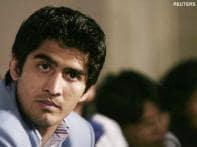 Corporates spar to win over boxer Vijender