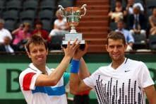Mirnyi, Nestor win doubles final in Paris