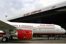 'Govt Sees 2 Conglomerates and 2 Int'l Airlines as Potential Bidders of Air India'