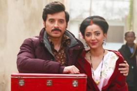 Shweta Basu Imitates Sharmila Tagore's Look for Her Web Film Shukranu