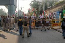 Group of Men Raises 'Jai Shri Ram', 'Goli Maaro' Slogans near Jamia Milia Islamia