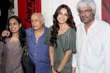 StarGaze: Bipasha Basu at 'Raaz 3' special screening and more
