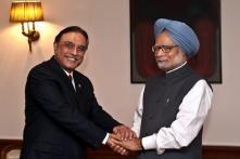 PM meets Zardari, seeks speedy 26/11 trial
